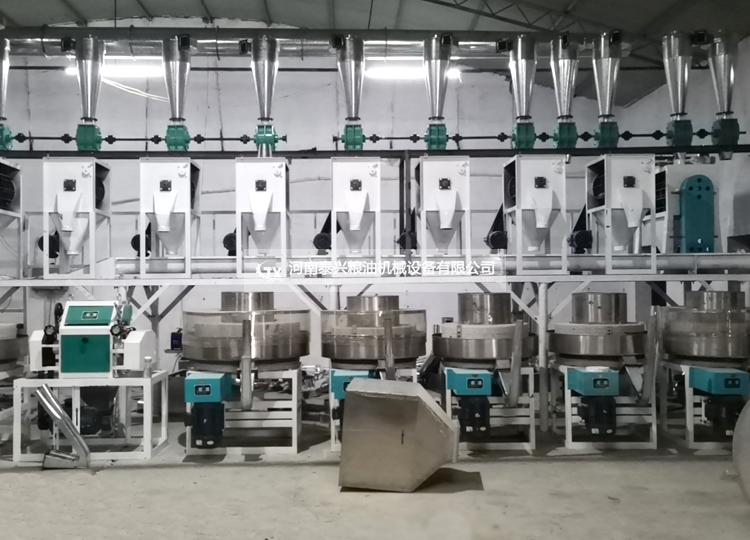 河南辉县6+2石磨面粉机生产线正在安装中